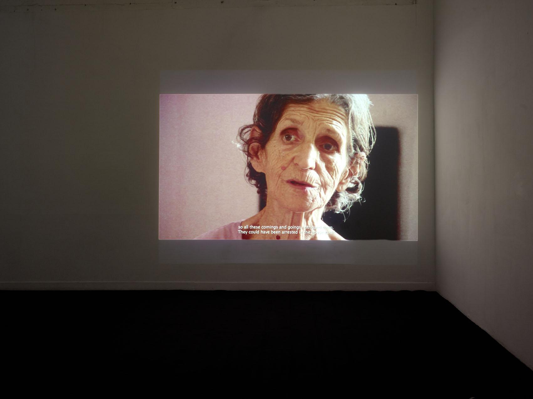 """Vue de l'exposition de Zineb Sidera, """"Gardiennes d'images"""". Palais de Tokyo."""