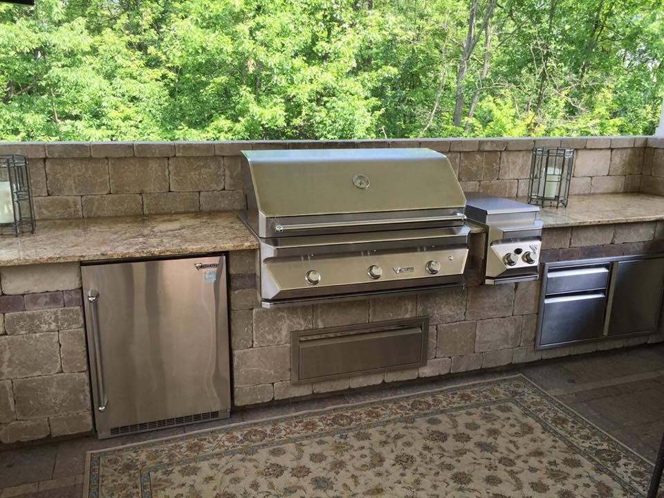 Elegant outdoor kitchen in Halfmoon, NY