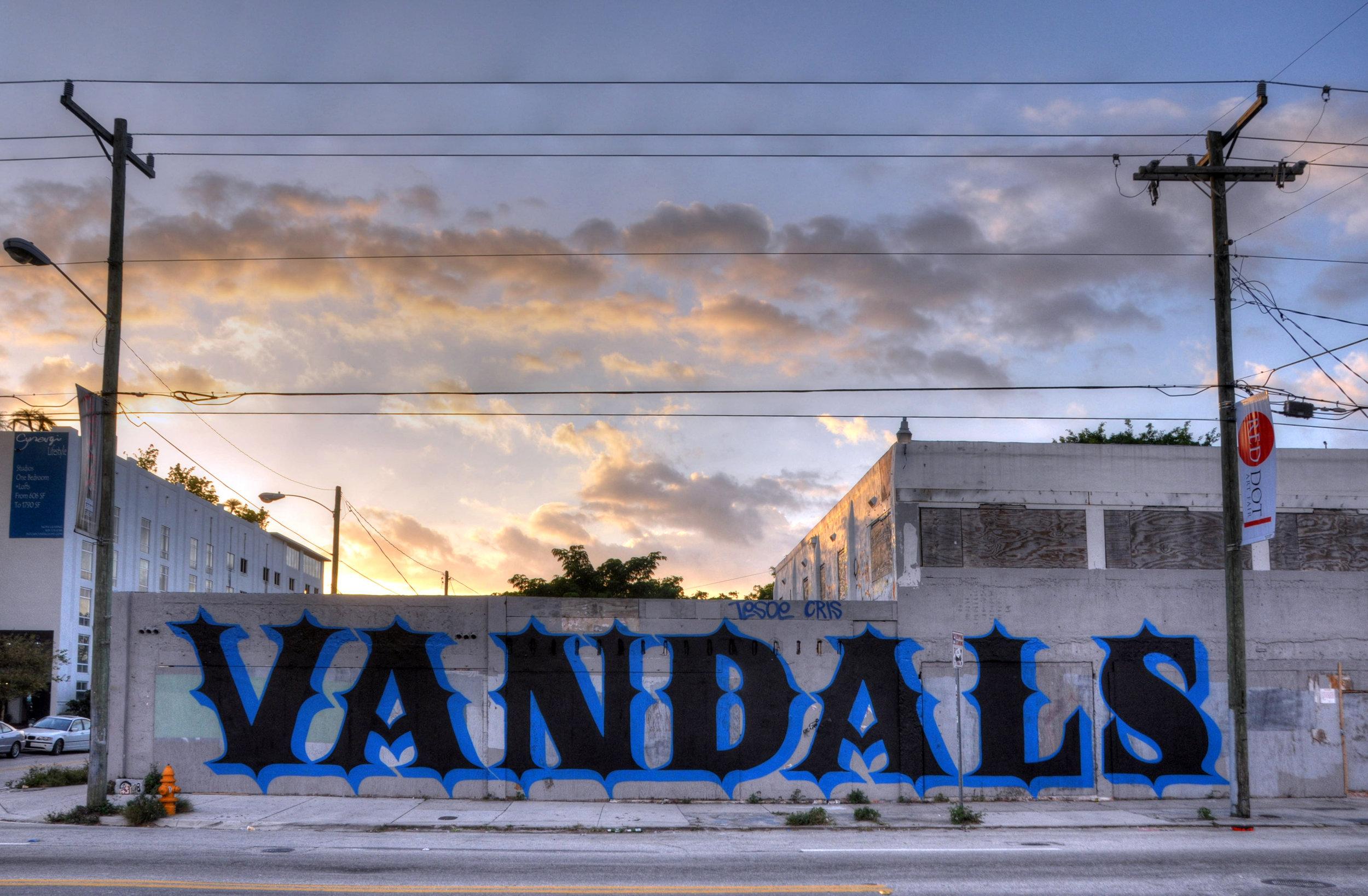 EINE_VANDALS_Miami copy.jpg