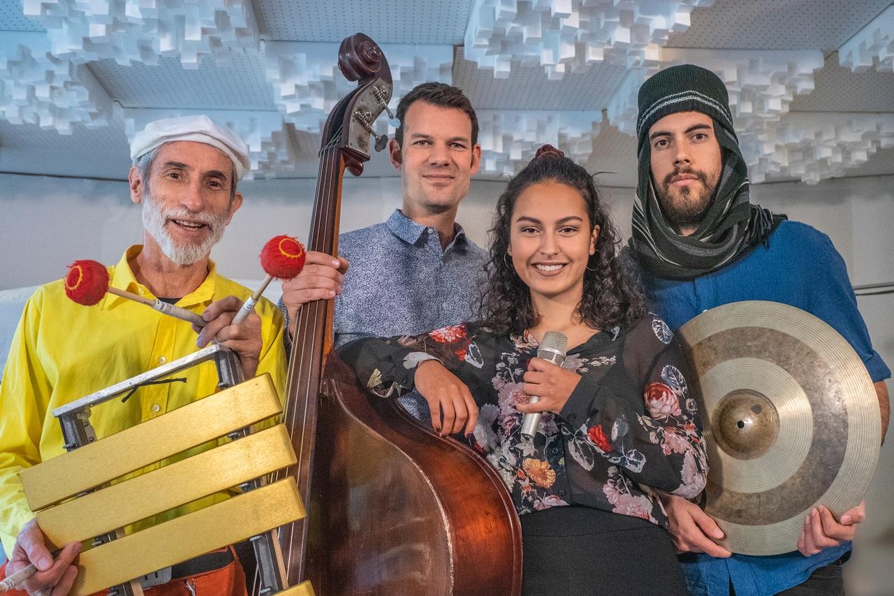 BASSIC VIBES feat. Maira Zaugg - Jazz & Mehr