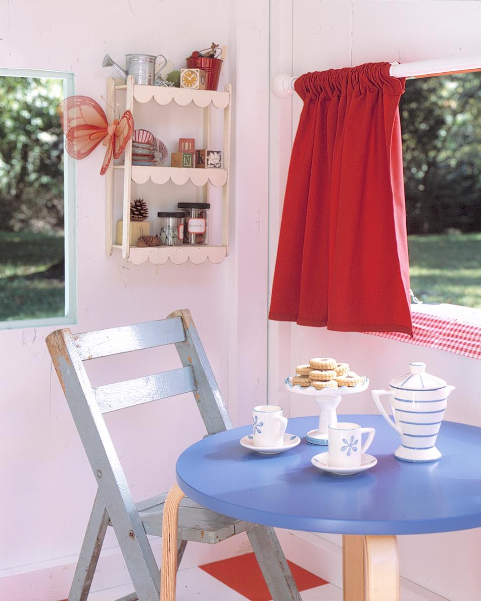 Martha_Stewart_Kids_Playhouse_TeaParty_MollyFitzSimons.jpg