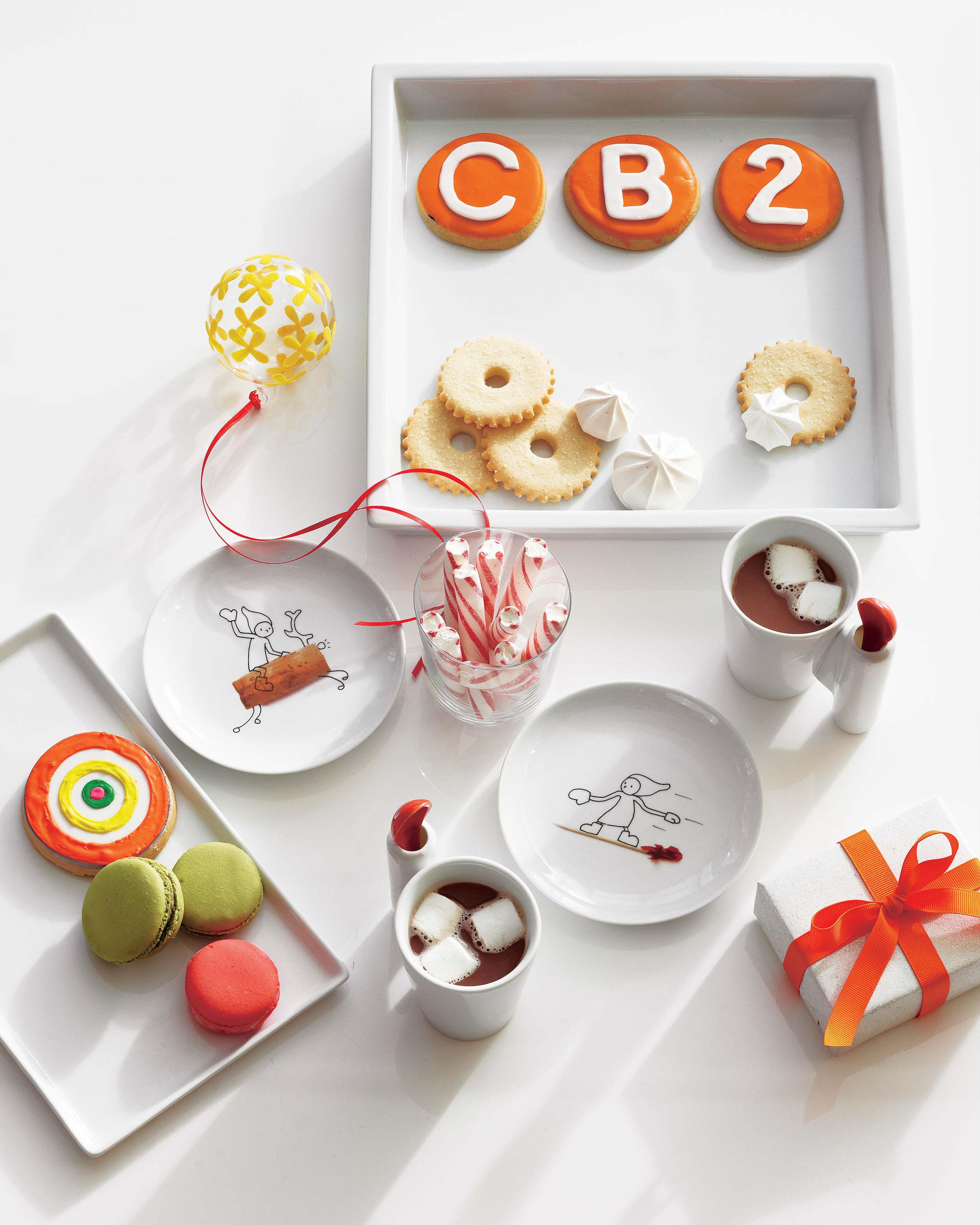 CB2_cookies_plates_molly-fitzsimons.jpg