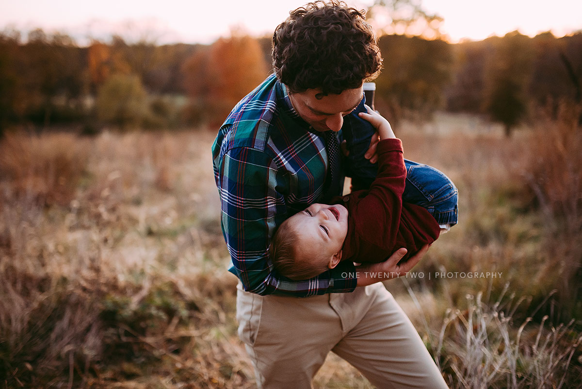 ballwin-missouri-dad-playing-with-son-lifestyle-portrait-one-twent-two-photography.jpg