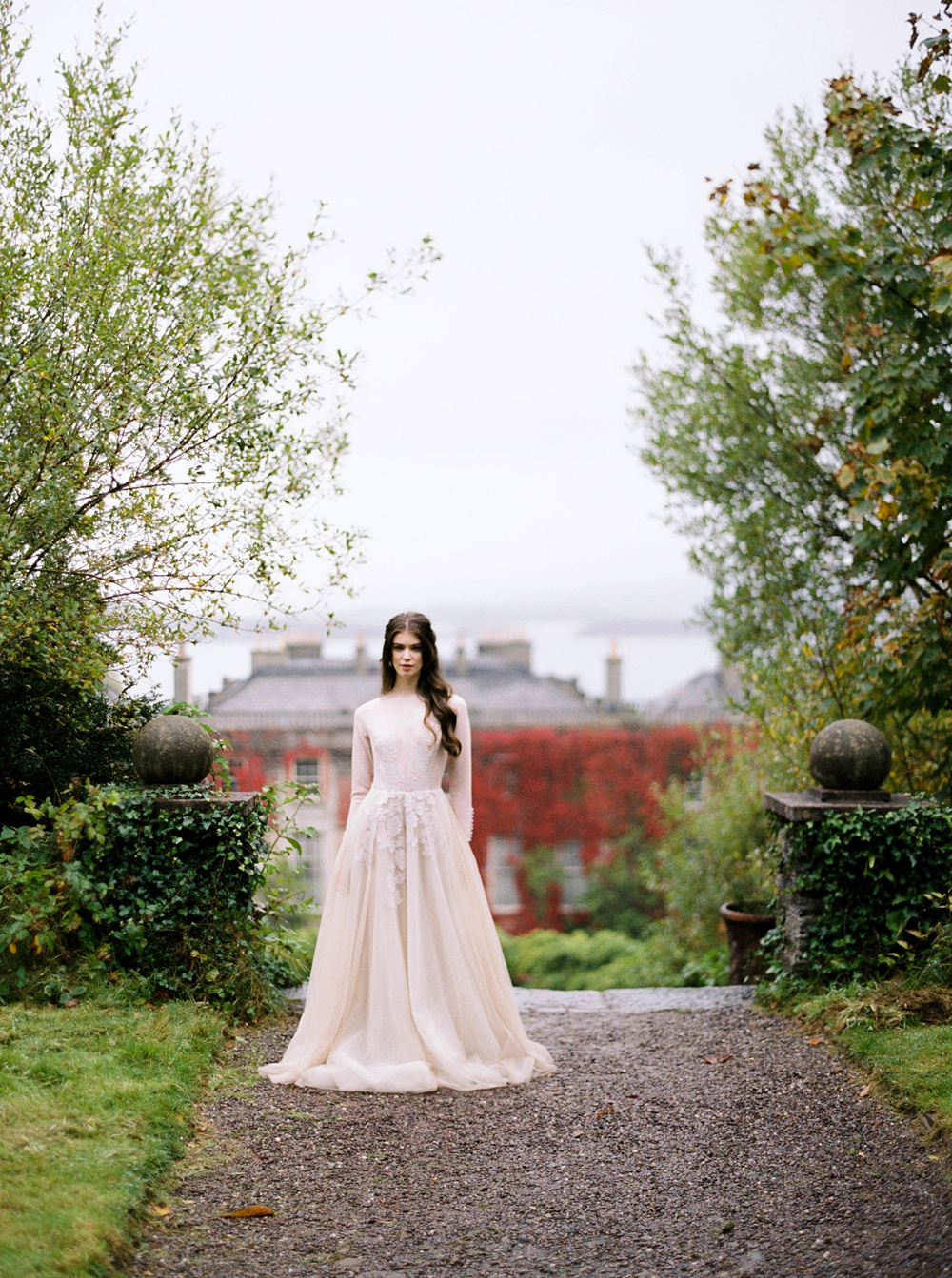 Bantry House Wedding Editorial with House of Hannah Events | Fine Art Wedding Photographer | Sarah Carpenter Wedding Photography | Ireland and Destinations Worldwide