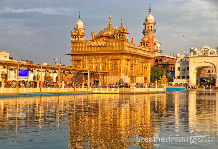 Amritsar-Golden-Temple-sun-2.jpg
