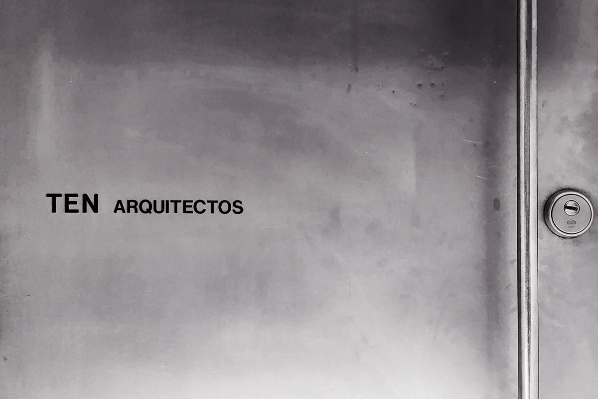 Puerta_Contacto.jpg
