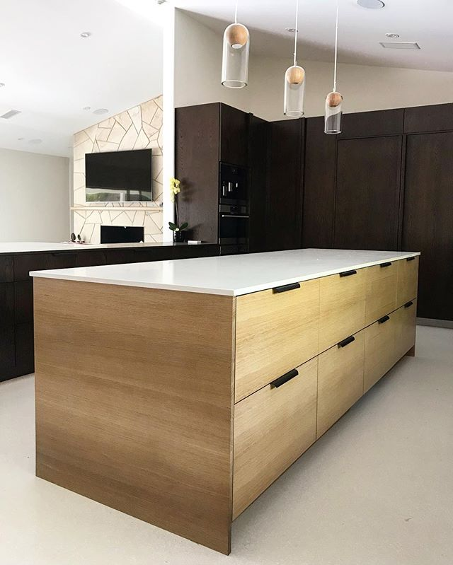 Absolutely speechless at how this house is wrapping up...the custom hardware we fabricated was the perfect touch. #innovativebuilders #interiordesign #interiors #midcenturymodern #midcentury #midcenturykitchen #kitchendesign #kitchendecor #whiteoak #whiteoakcabinets