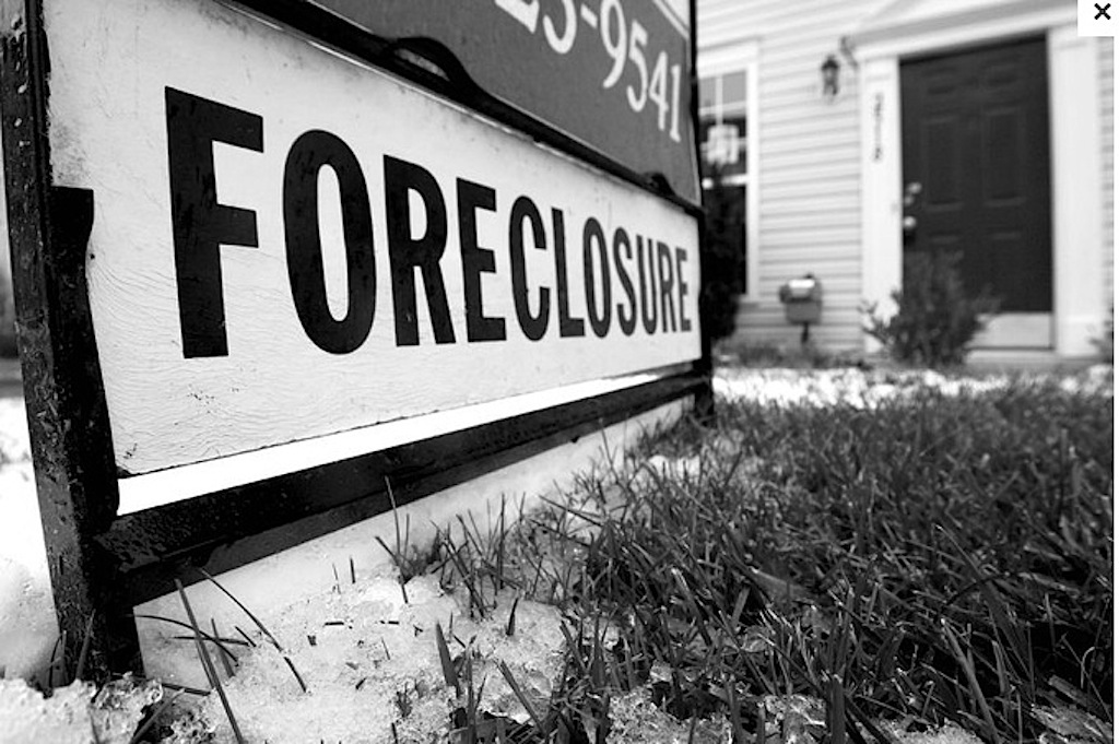 Foreclosure sign close.jpg