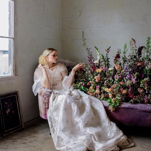 With the sun shining today I'll be working in the flower bed and trying to find more room for all the flowers I still want to plant🌸🌺🌸🌹🌸🌷🌸 Photography /Art Direction @silviusjames  Florals + Styling @blacksweetraspberry  Rentals + Styling @classicvintagerentals  Venue @sweeterfarms  Bridal Wear @lenamedoyeffbridal  Stationer @every.little.something  Video @thepairvisuals  Model @aunahjean . . . #flowers #venue #elopements  #creamery #silo #studio #photoshoots #wedding #pacificweddings #pursuepretty #photography  #rentals #weddingrentals #events