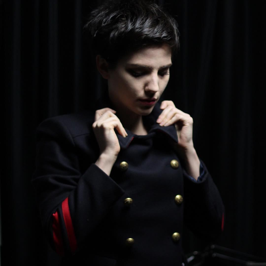 kate-zambrano-portrait-artist-photo.jpg