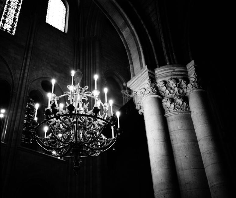 Chandelier, Notre Dame