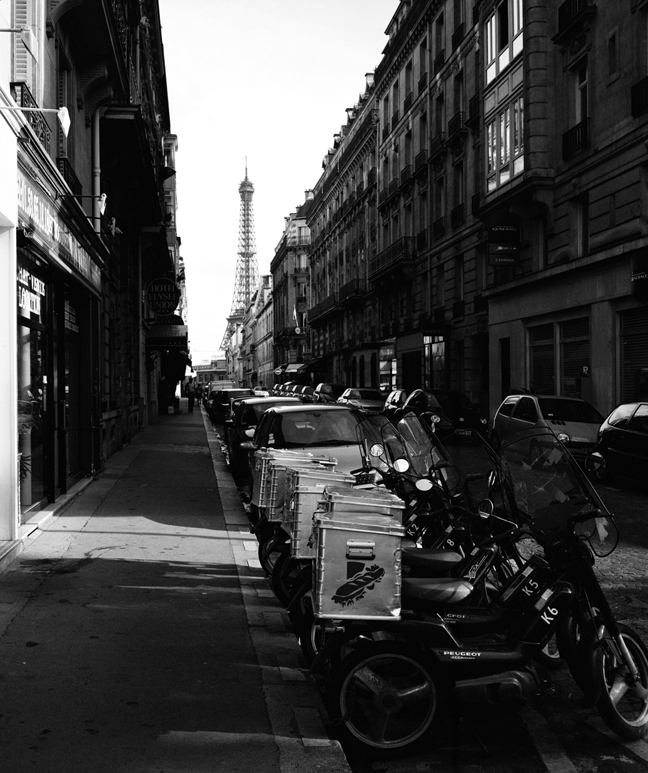 Tour Eiffel and Scooters