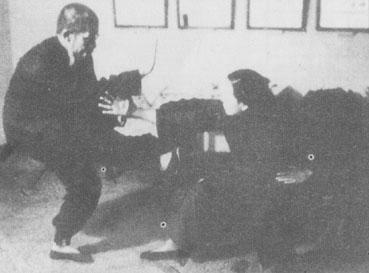 Master Sun Cunzhou training with his disciple Zu Yayi