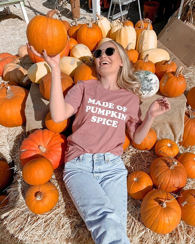 I could lay here all day (not really)! one little sprinkle of pumpkin spice gives me that spicy attitude 🧡