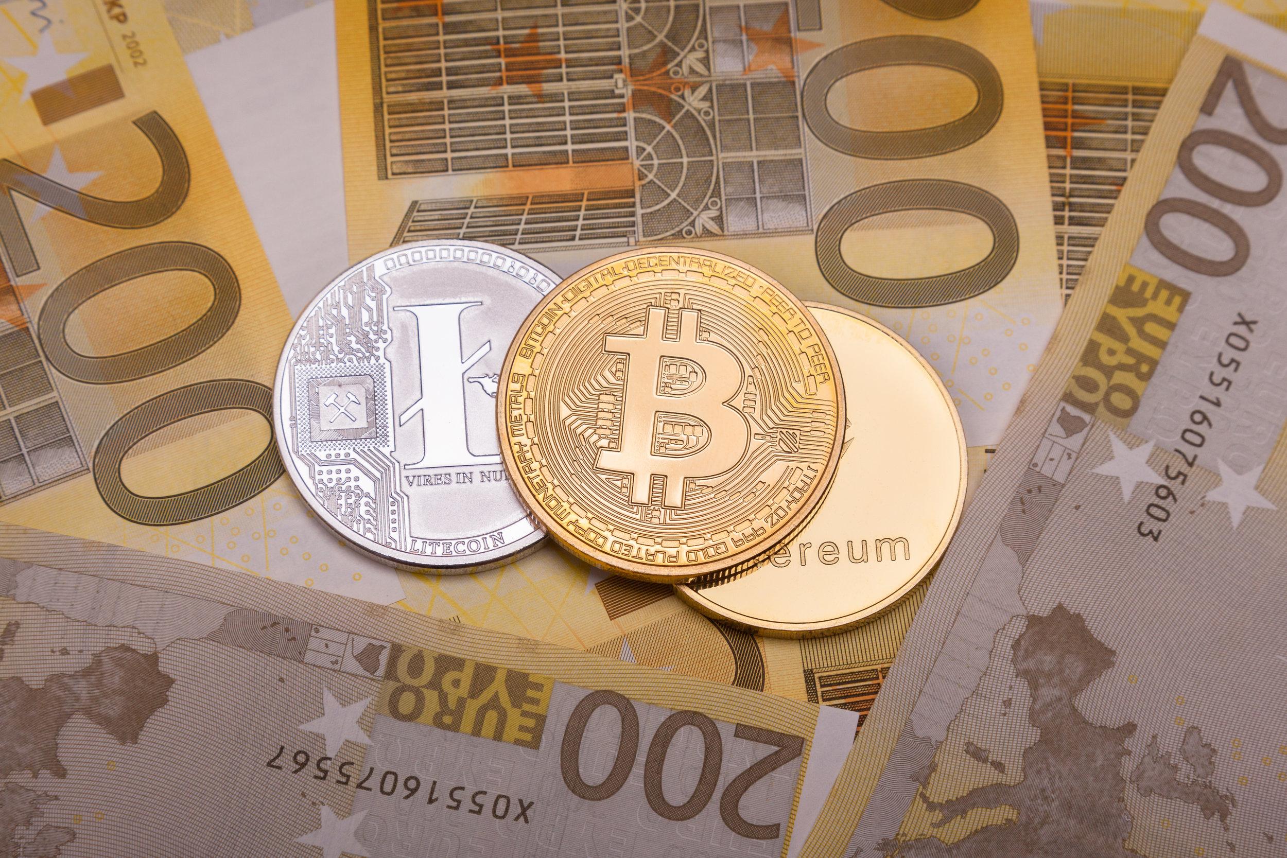 bitcoin-btc-crypto-currency-coin-over-200-euro-B37CJYF.jpg