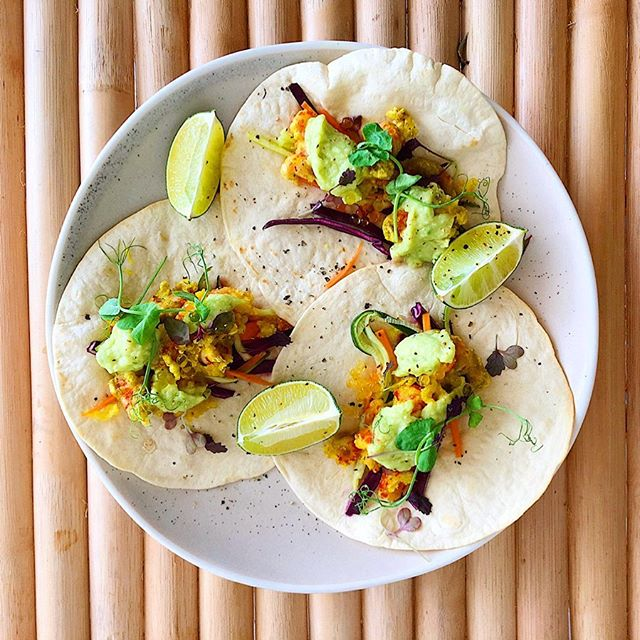 Our weekend special! Tempura crayfish tacos with avocado sauce and pickled carrots and cucumber 🌮 🌮