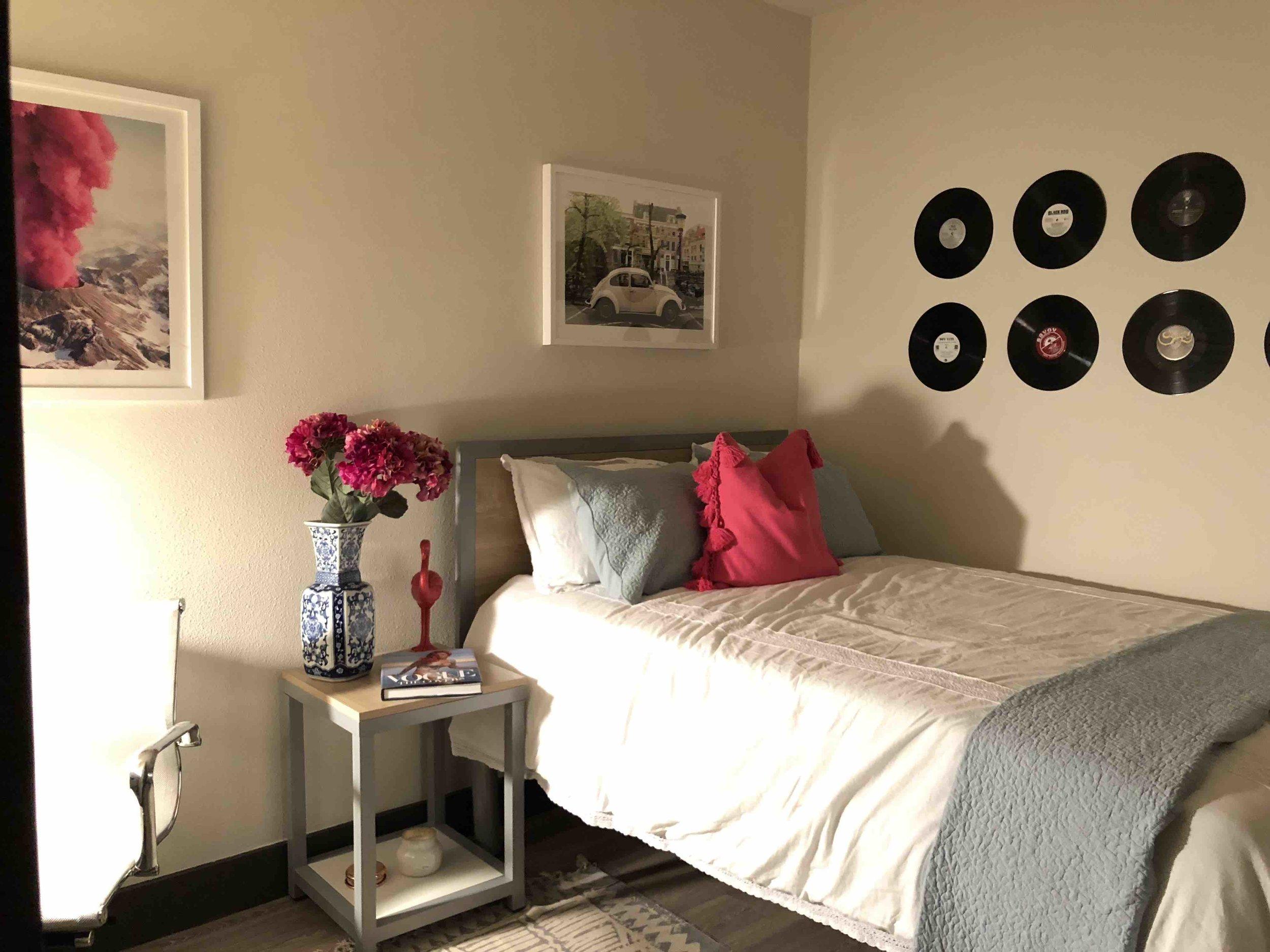 7 - Bedroom.jpg