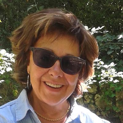 Esperanza Robles. Escritora y profesora en diferentes niveles educativos.