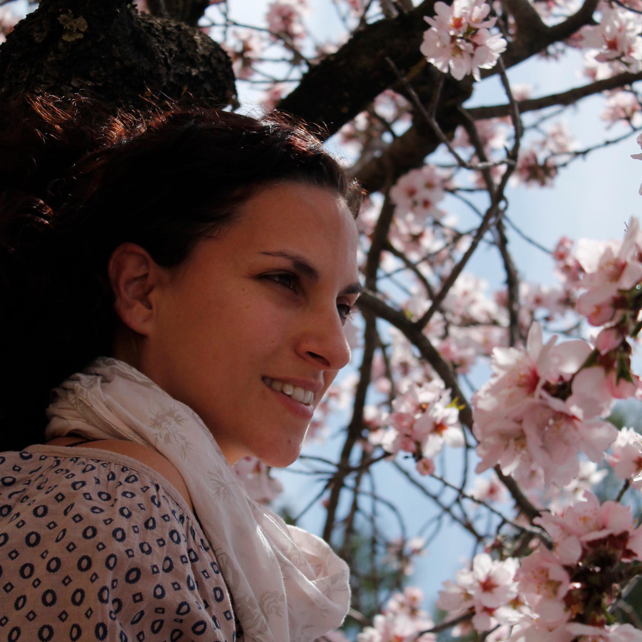 Mónica Álvarez. Maestra en diversos niveles.