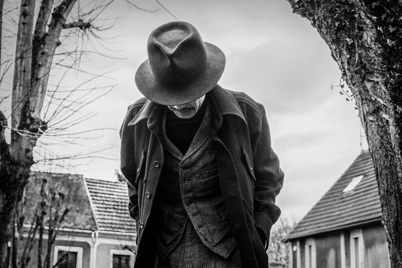 Ageless+Einzelganger+AW18+Lookbook_Paris-47.jpg