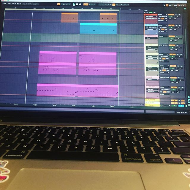 Never stop practicing your craft!! 💜 . . . . . #musicproducer #musicproducers #musicproducerduo #musicproducercouple #producerduo #producercouple #experimental #techno #housemusic #deephouse #deeptechno #groovyhouse #groovehouse #housemusicproducers #music #producer #musicproducerlife #practicepracticepractice #neverstoplearning #neverstopdreaming #neverstopdancing #lovewhatyoudo #producerlife #djlife #turnupthedb #loveyou #love #you #💜
