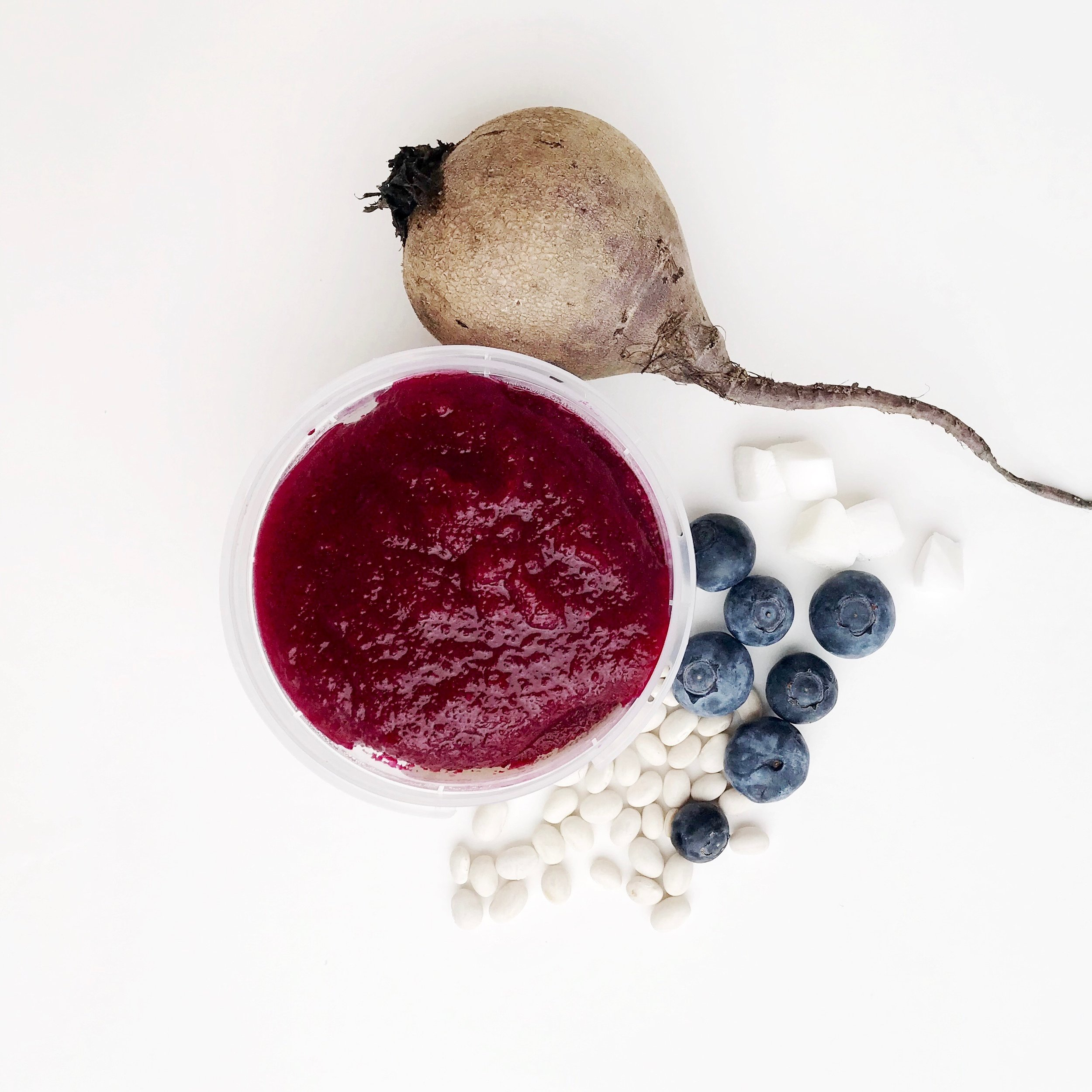 BLUEBERRY BEET BOOST - This delicious blend is high in antioxidants and beneficial plant compounds from both the blueberry and the beet to develop your little one's brain and heart. With a balance of protein from the white navy beans, this blend is wholeheartedly nourishing in every bite.