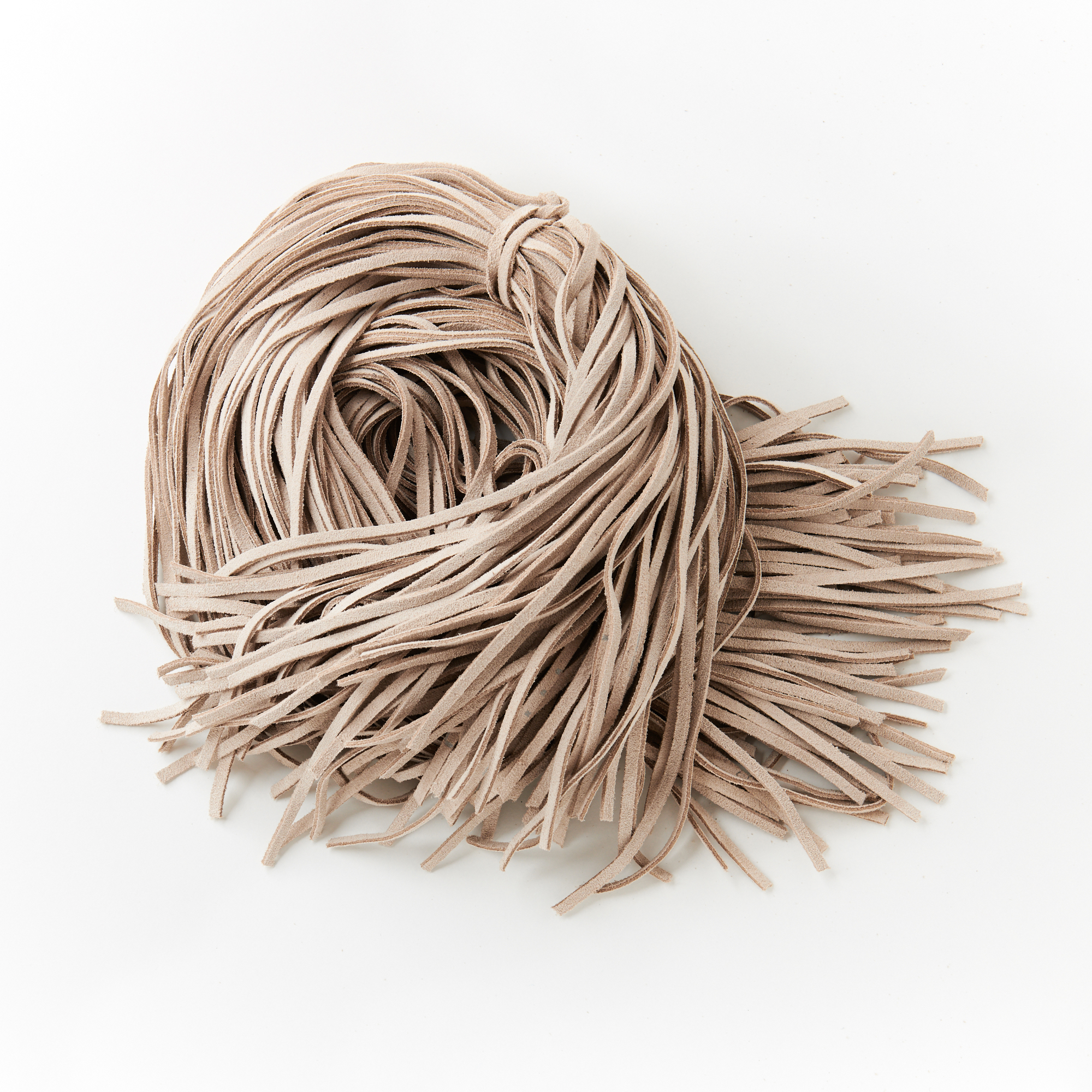 Lederband, Flachriemen, Flechtriemen aus Veloursleder 4mm breit.