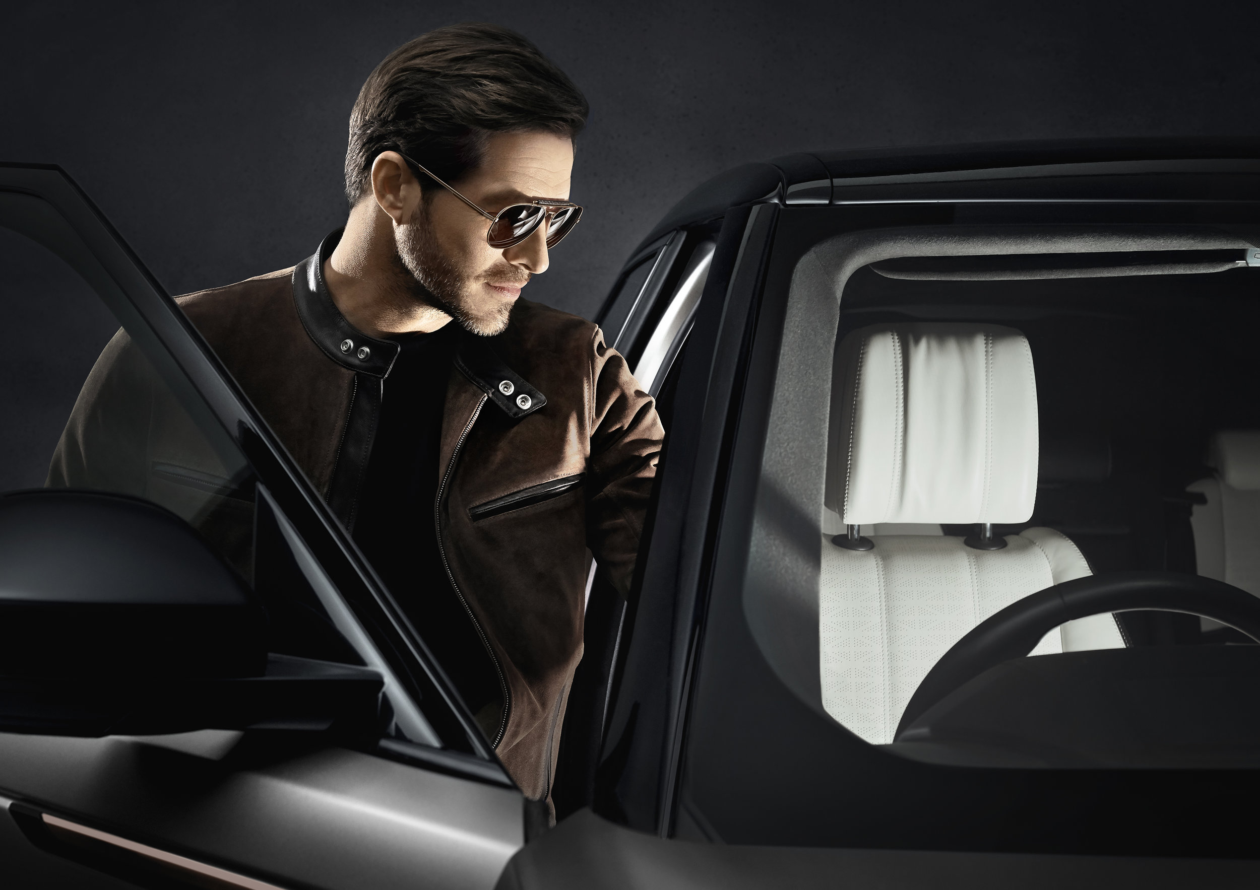 - The Range Rover 2019 Sun Collection is one of the latest additions to our wide range of brands here at Andrew & Rogers.To put it simply, Range Rover Eyewear is the ultimate luxury fashion accessory for the modern man.