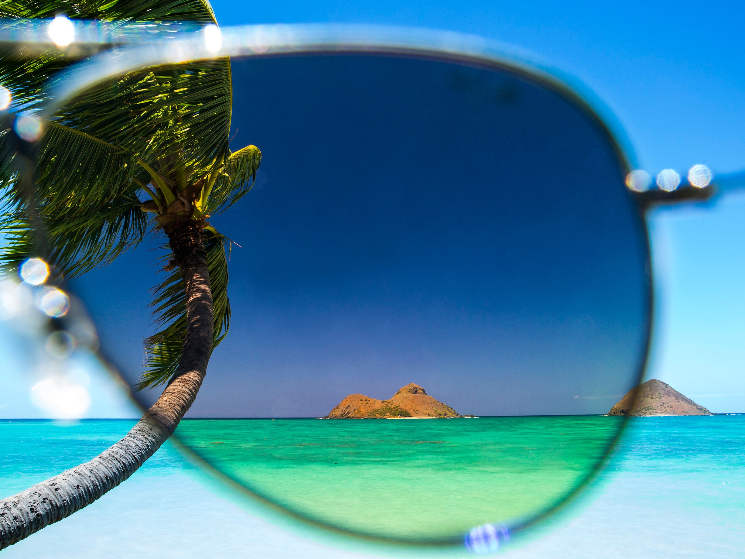 Polarized Lenses - Maui Jim's patented PolarizedPlus2 technology keeps colours vivid, bright, and true. Water is crystal clear and the sky is bluer… no other sunglass offers the same level of visual acuity and colour enhancement.