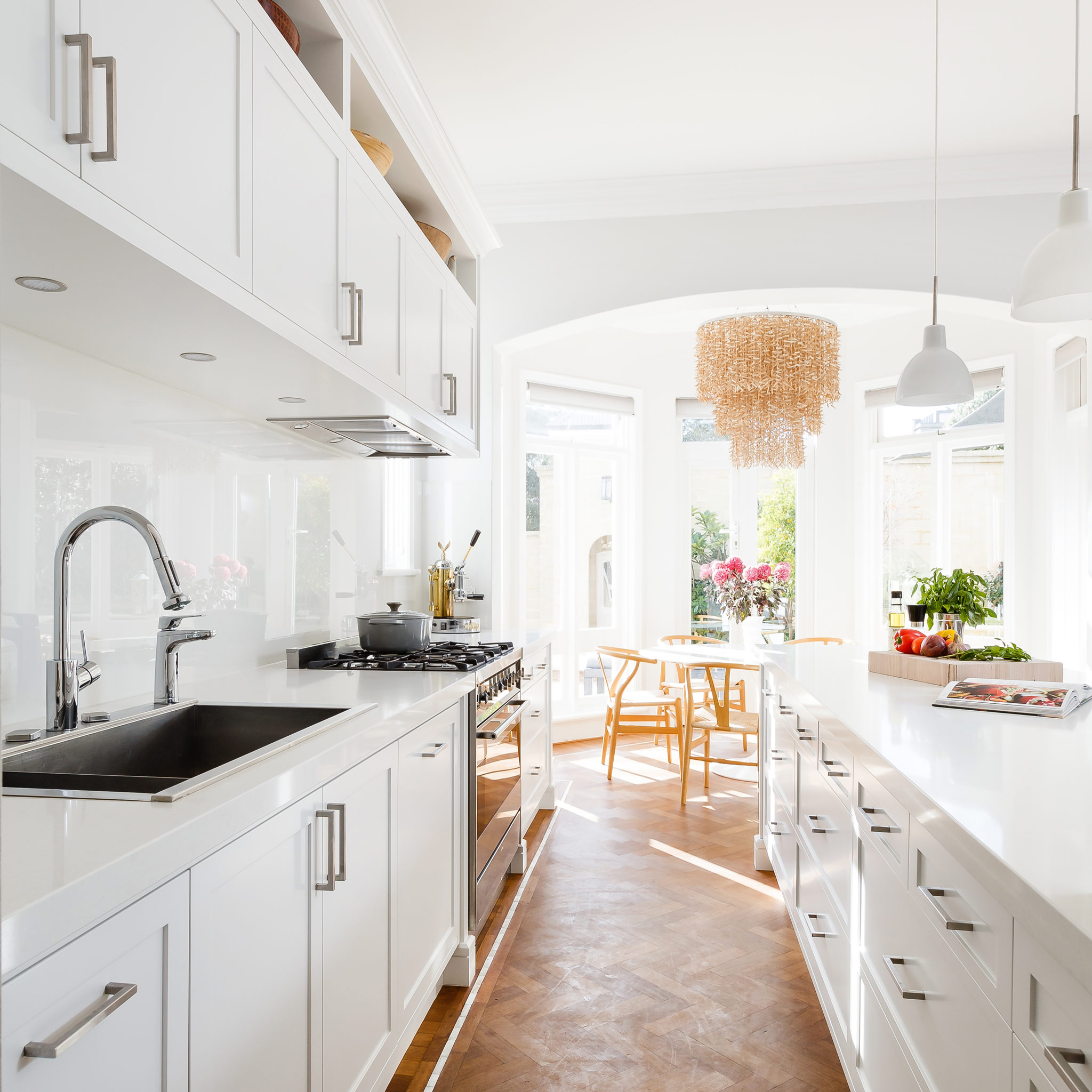 white-hamptons-kitchen-3.jpg