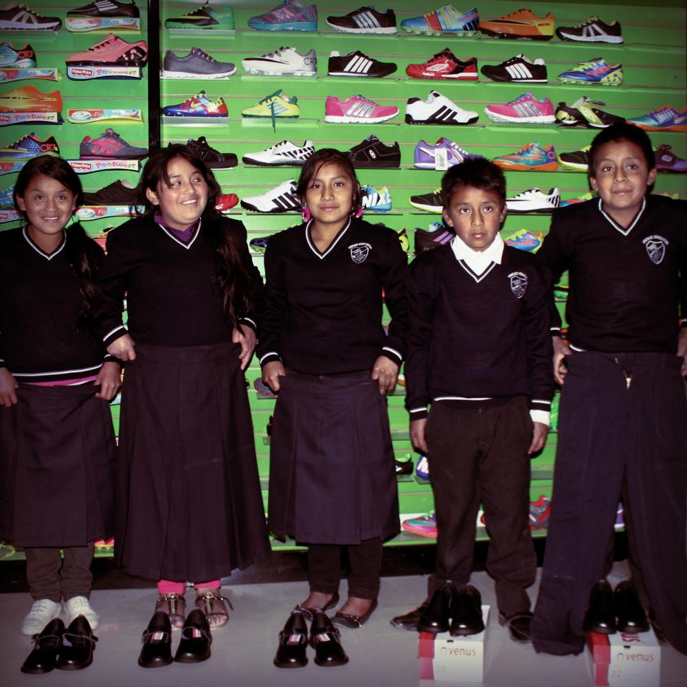2015-9-22-uniforms-riecuador-INSTA.png