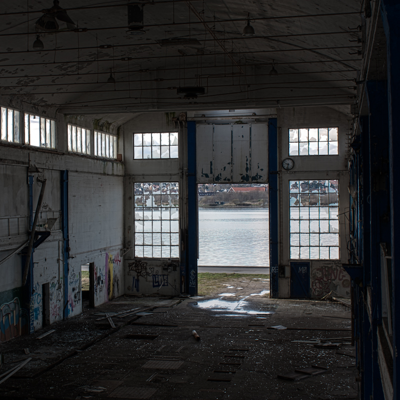 another-abandoned-building-5-of-19_7079499733_o.jpg
