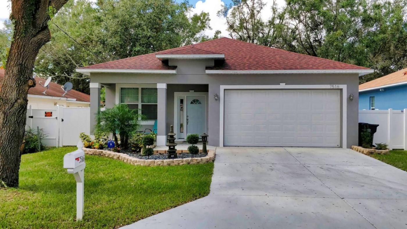 7516-N-Coolidge-Ave-001.jpg