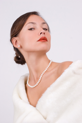 Akoya-Pearls-in-Fashion.jpg