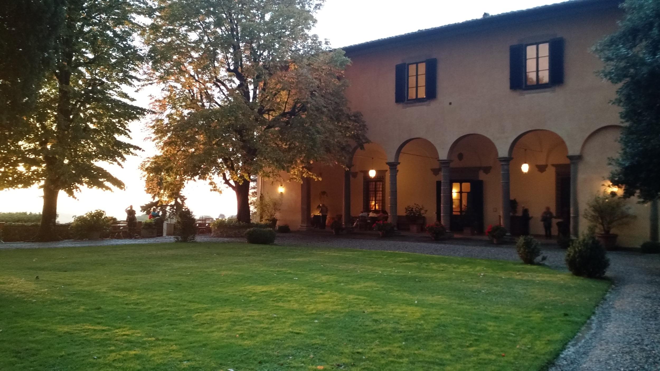 ITALY - villa.jpg