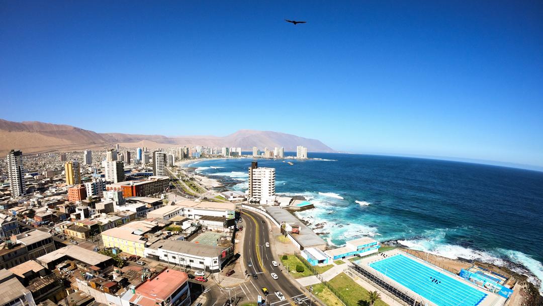- Beijinhos, galera! Já estou de volta com mais novidades direto de Punta 2 em Iquique no Chile.