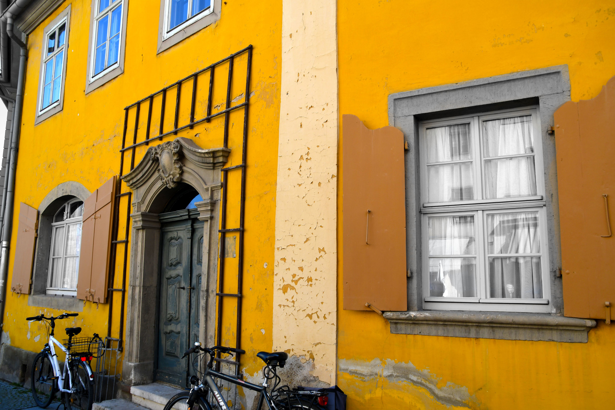 YellowBuilding.jpg
