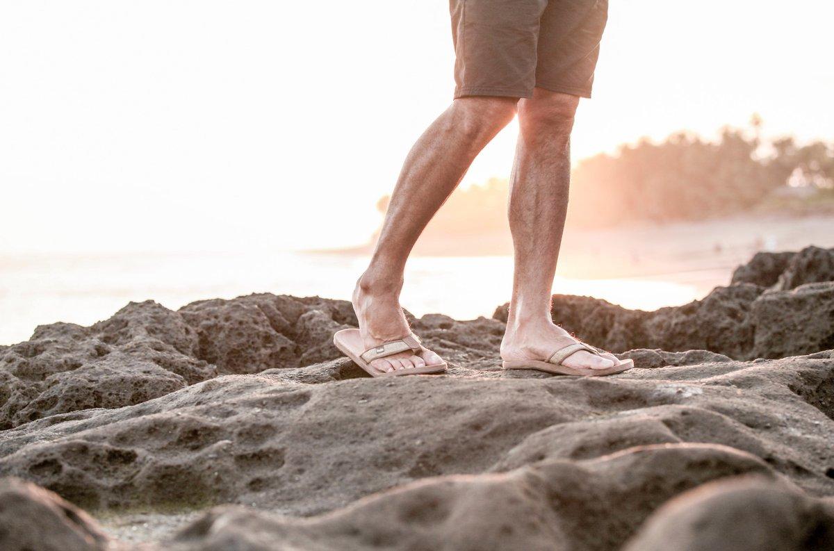 tan_burlap_mens_comfortable_walking_sandals_600x@2x.jpg