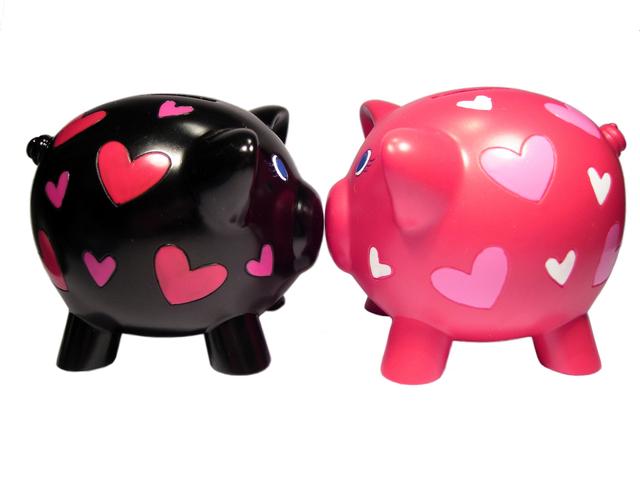 piggy-in-love-5-1315794-640x480.jpg