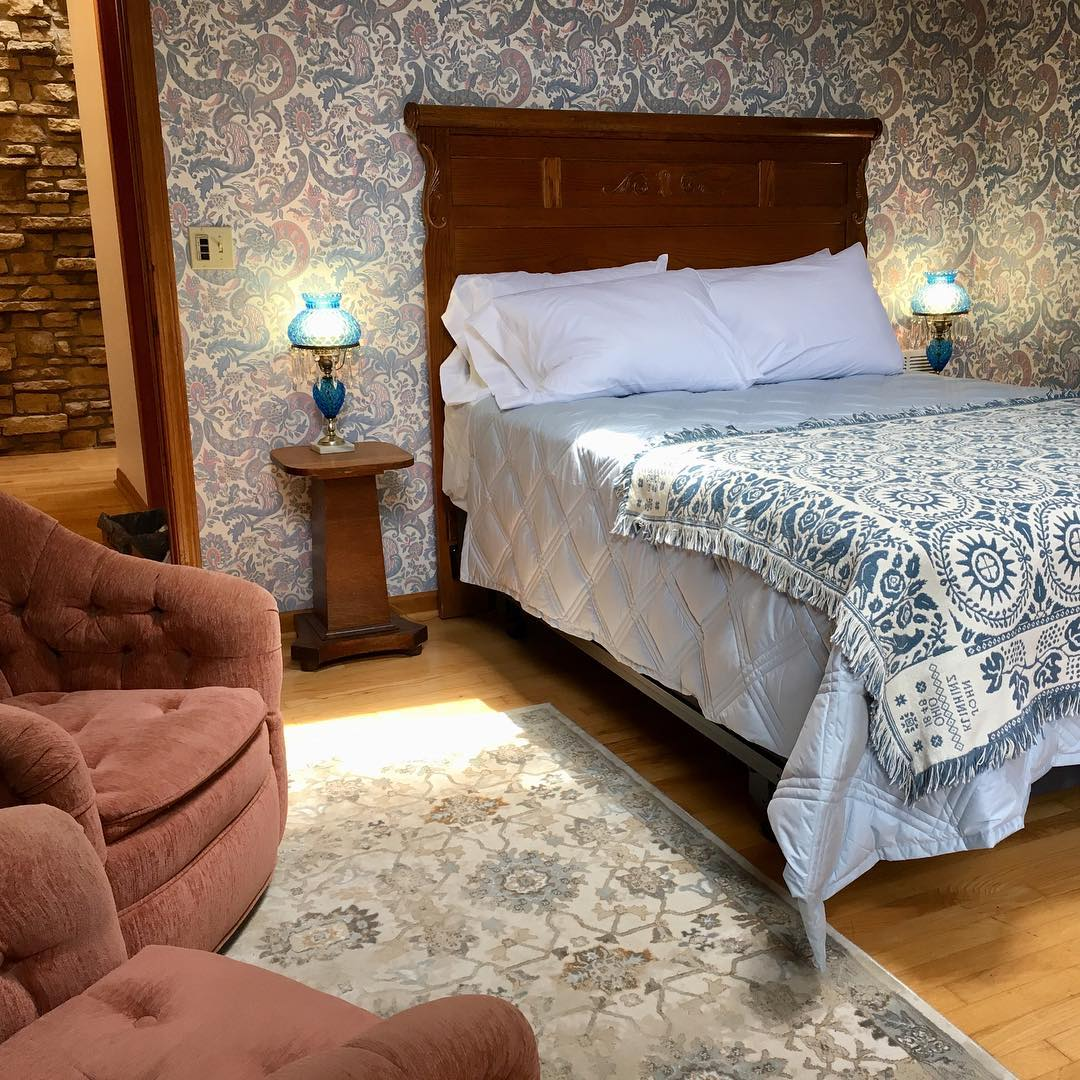 bluebird room.jpg