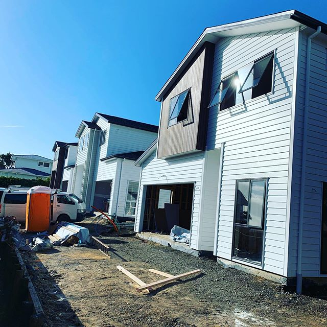 Our torbay town houses job coming along nicely. Nearly ready for final fit off. #plumbers #aucklandcity#townhouse#architecture#newhouse