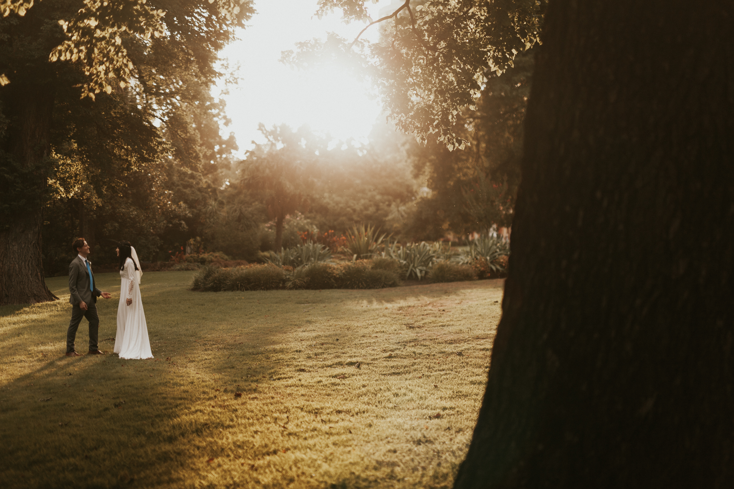 Melbourne-Fitzroy-gardens-wedding-emotionsandmath-115.jpg