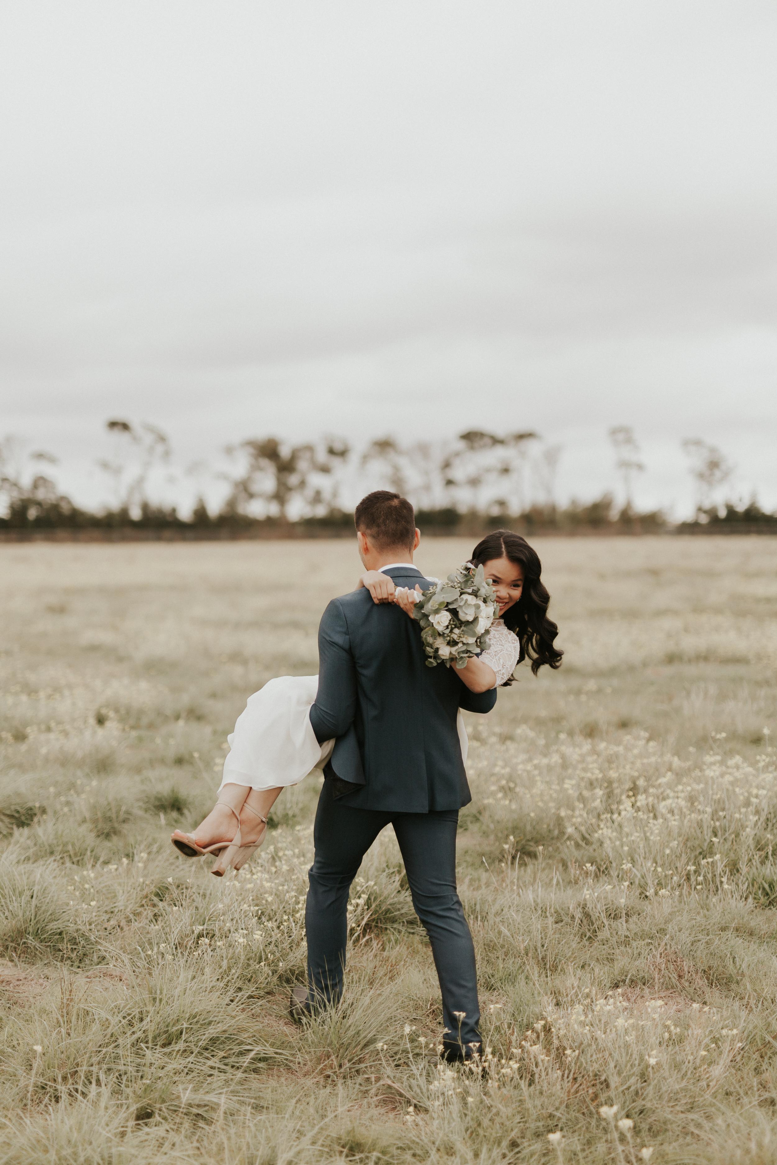 Melbourne-Fitzroy-Treasury-Gardens-wedding-EmotionsandMath-036.jpg