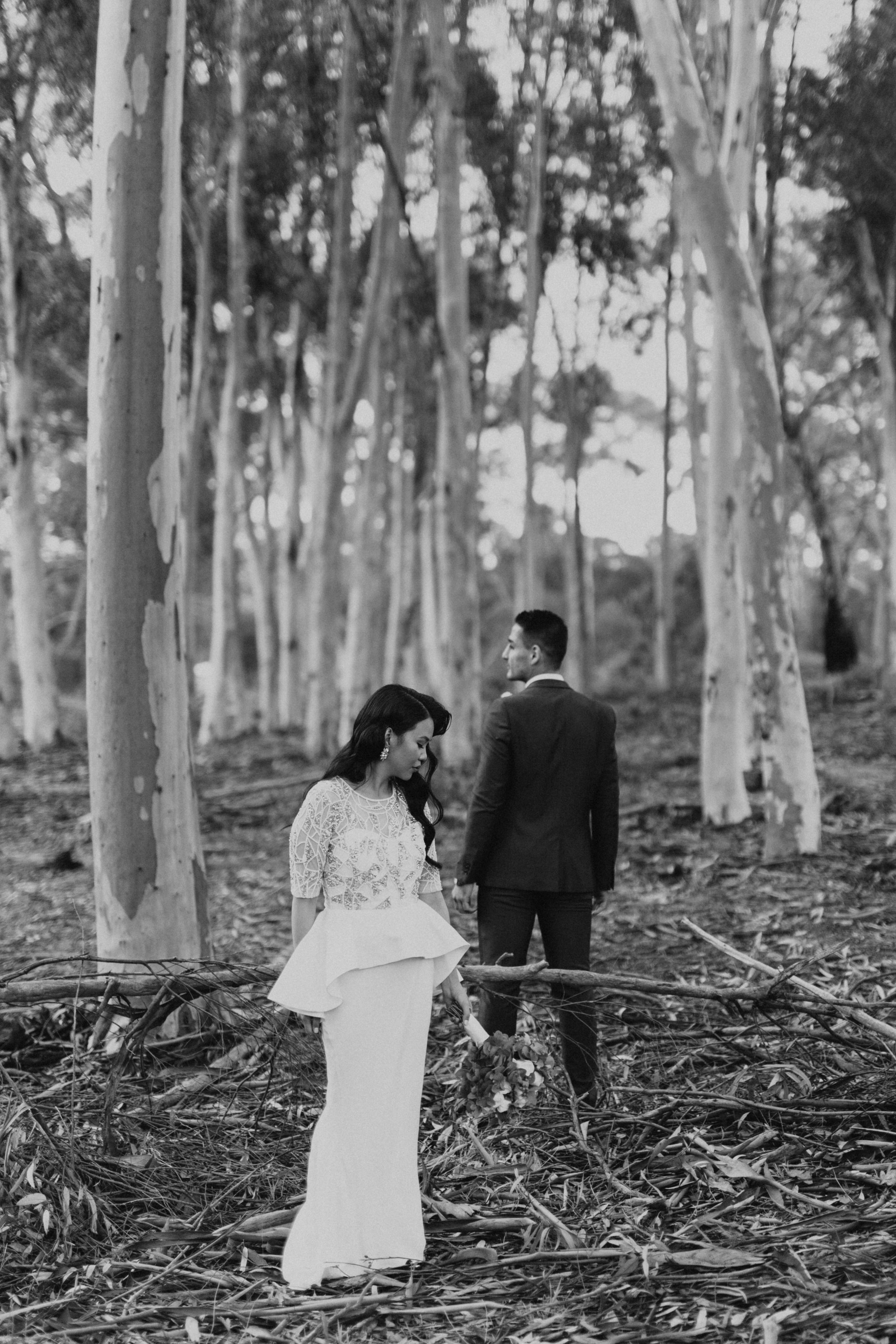 Melbourne-Fitzroy-Treasury-Gardens-wedding-EmotionsandMath-052.jpg