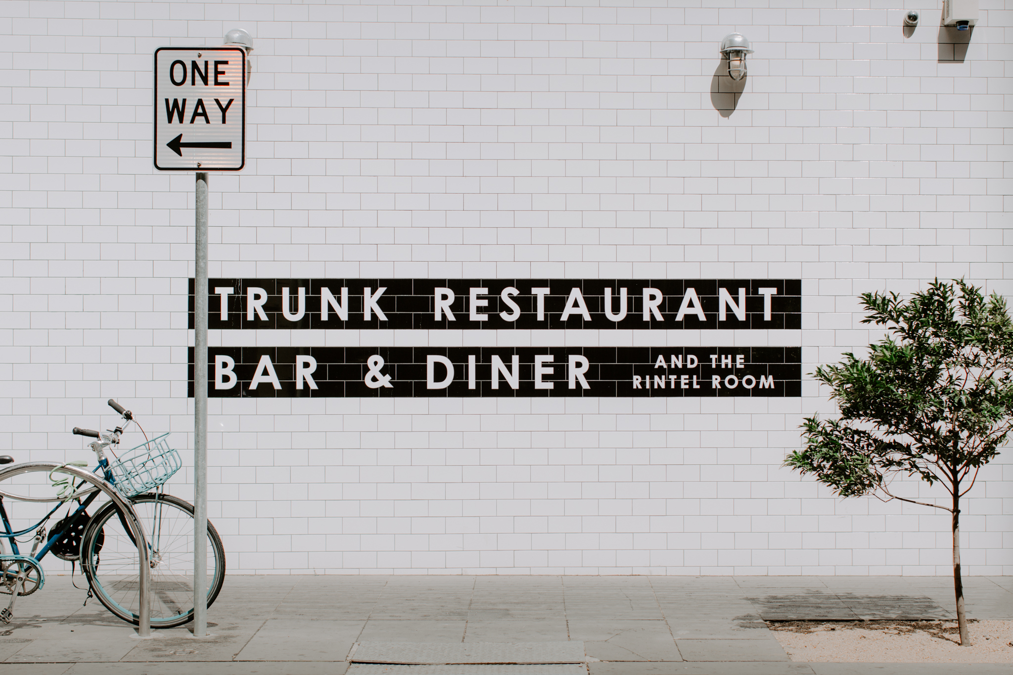 Trunk-restaurant-wedding-EmotionsandMath-001.jpg