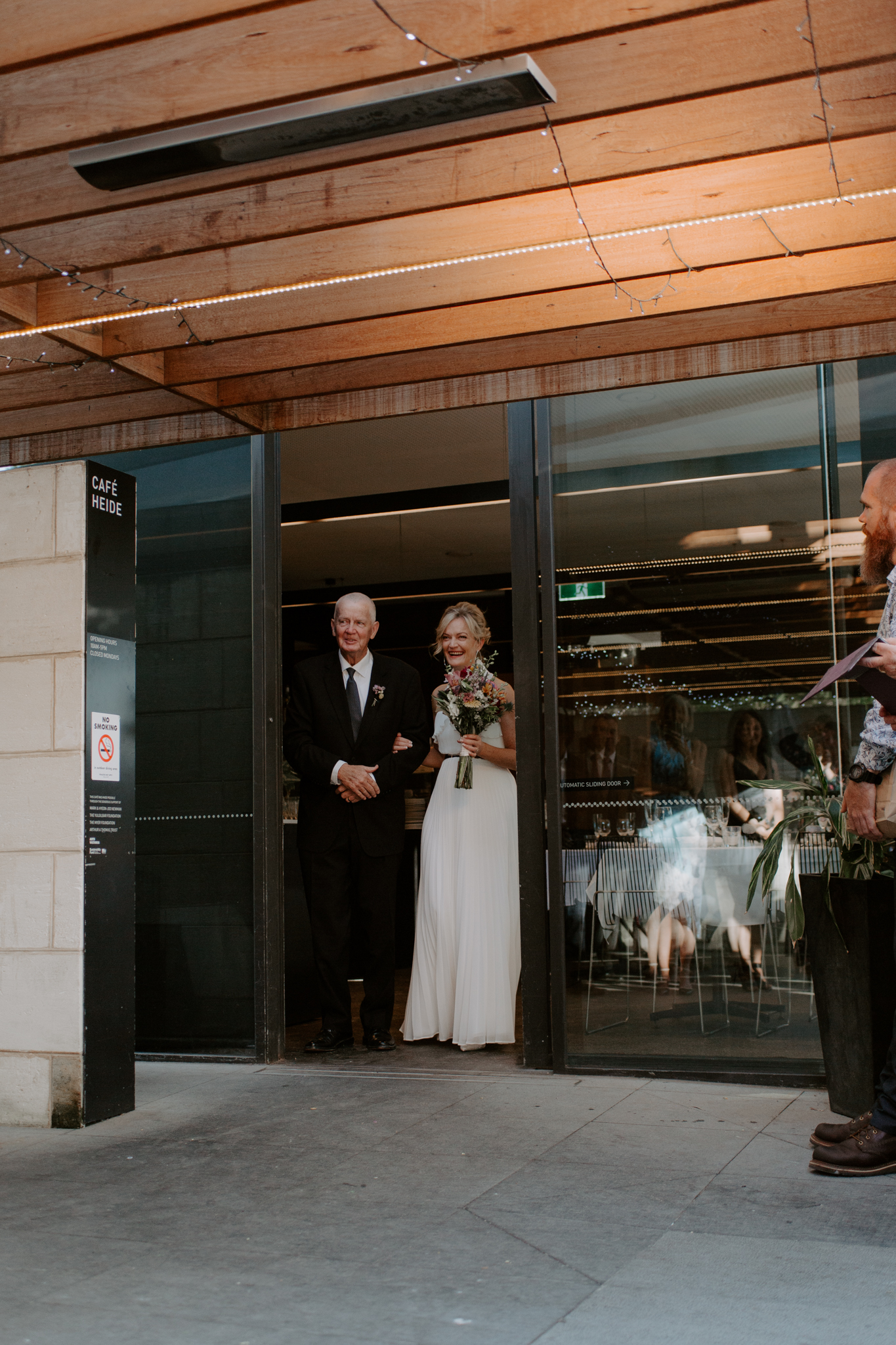 Heide-Museum-of-Modern-Art-Wedding-Emotions-and-Math-027.jpg