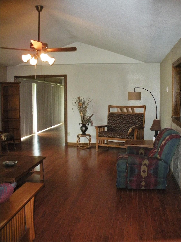 brentlinger living room 3.jpg
