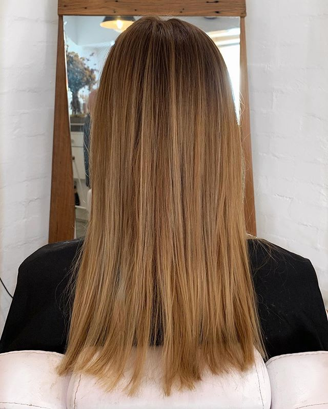 Refresh your look and revive your hair after a salty summer. By The Loving Gypsies is your colour correction specialist go to in Byron Bay 🌞🌻🌊 . . . . #bythelovinggypsies #byronbay #byronbayhairsalon #byronbayhairdresser #byronbayhairstylists #ballinahairsalon #lennoxheadsalon #byronbayhairandmakeup #byronbayhairextensions #byronbayweddings