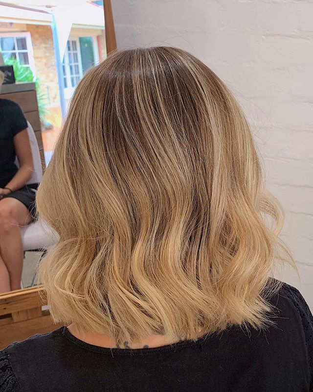 Refresh your look and revive your hair after a salty summer. We've mastered all hair colours. From Brunette to blonde babes. Whether you want to achieve a polished blonde, enhance your already lived in look or start from scratch our stylists are passionate about bringing you to your hair goals 💛 . . . . . #bythelovinggypsies #byronbay #byronbayblondes #byronbaybalayage #byronbayhair #byronbayhairdresser #byronbayhairstylist #byronbayhaircolourist #byronbayhairsalon #goldcoasthair