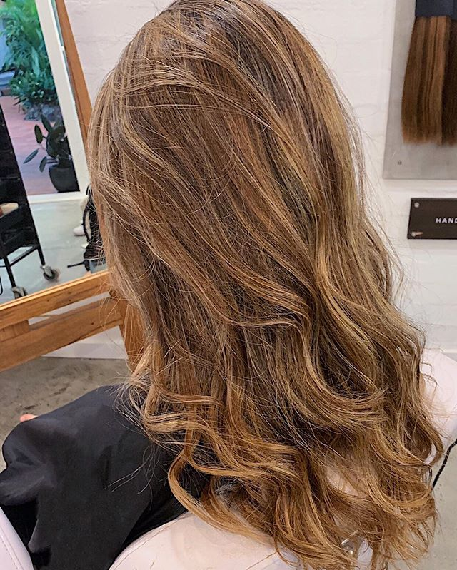Transformations are always happening in our salon. Book yours today. 💇🏻♀️💇🏼♀️💇🏽♀️ . . . . . #bythelovinggypsies #byronbay #byronbayhairsalon #byronbayhairstylist #byronbayhaircolourist #byronbayhairdresser #byronbaymua #byronbaymakeupartist #ballinahairsalon #goldcoasthairsalon #balayage
